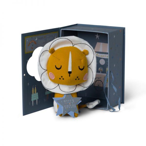 Lev v darčekovej krabičke Picca Loulou